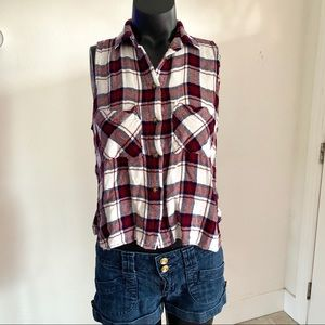 Polly & Esther Sleeveless Flannel Plaid Buttondown